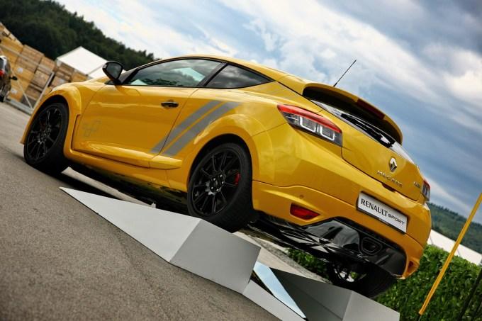 Renault Mégane R.S. 275 Trophy: že četrta posebna različica Mégana R.S. po Trophyu leta 2011, RB7 2012 in RB8 2013.
