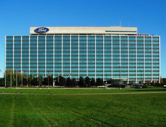 Ford je marca prehitel General Motors, pri čemer naj bi bila ključnega pomena t.i. flotna prodaja.