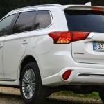 Mitsubishi Outlander PHEV: prenovljen na slovenskem trgu
