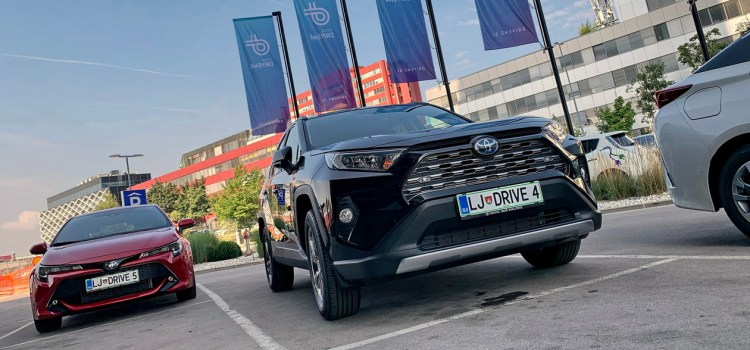 Toyota Adria: storitev souporabe vozil DriveMe