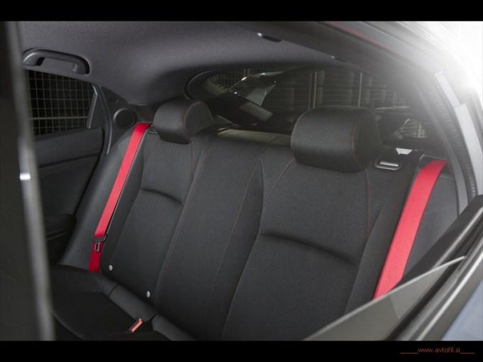 2017 Honda Civic Type R (47)