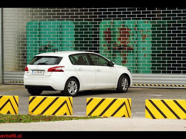 Peugeot_308_16_THP_Active_011