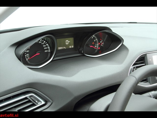 Peugeot_308_16_THP_Active_145
