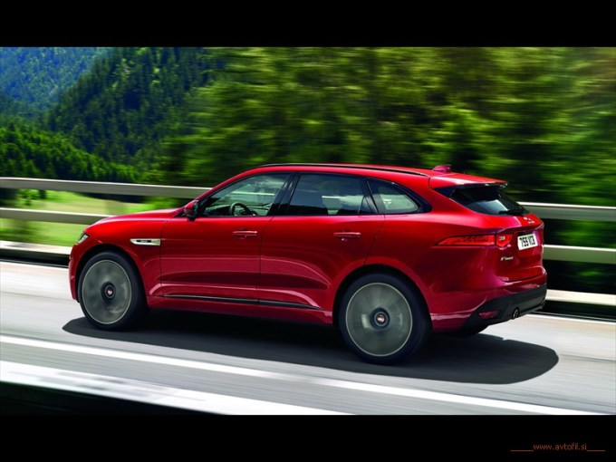 Jag_FPACE_RSport_Location_Image_140915_03_(116322)c