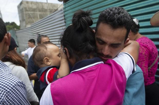 Migranti rimpatriati in Guatemala dopo essere stati respinti al confine tra Messico e Stati Uniti (Ap)