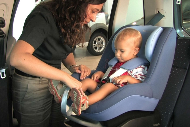Bambini In Auto Le 10 Regole Per Viaggiare Tranquilli