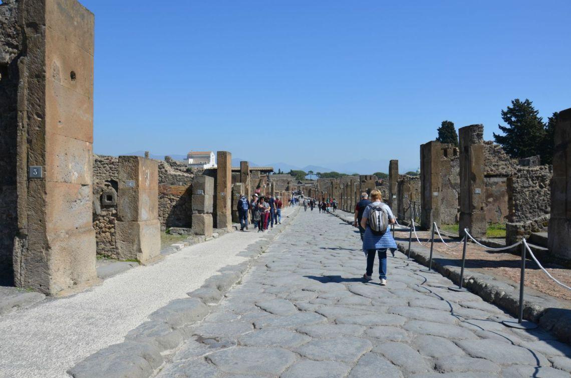 Via-Abbondanza-Pompei