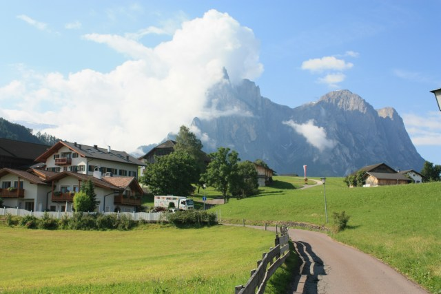 Walking to Seis/ Siusi