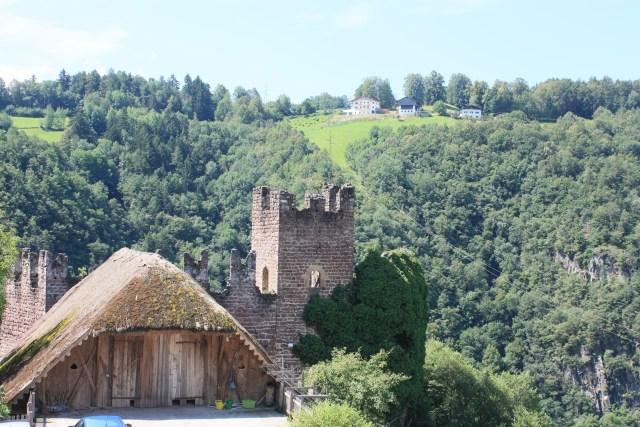 Castle/barn