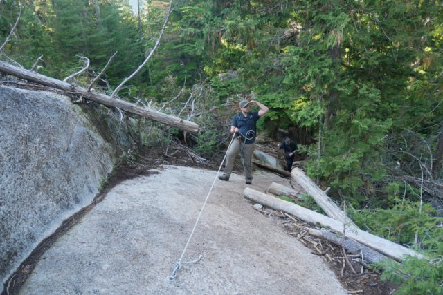 Ropes up on the sea to summit trail