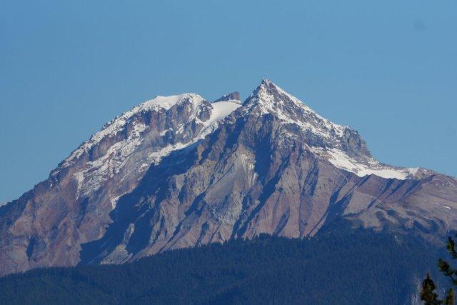 Peeking Mount Atwell and Garibaldi