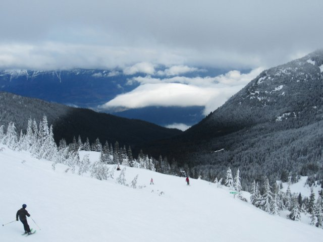 Clouds, snow and Sasquatch Mountain