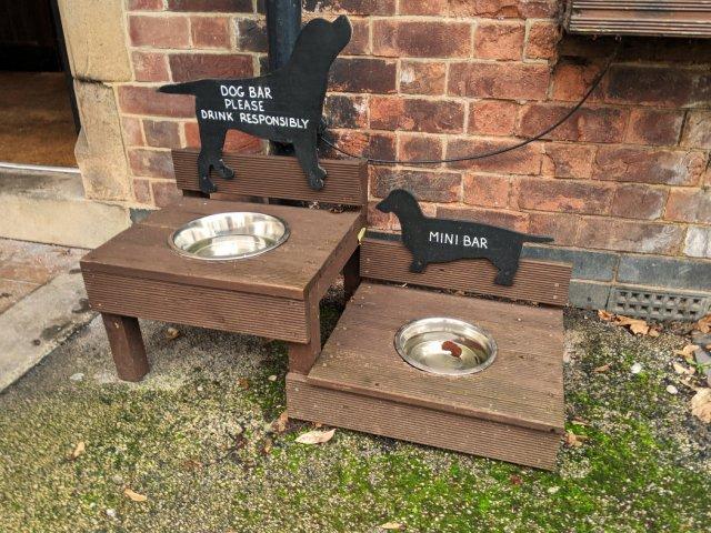 Woodborough pub - Four Bells Inn for doggos