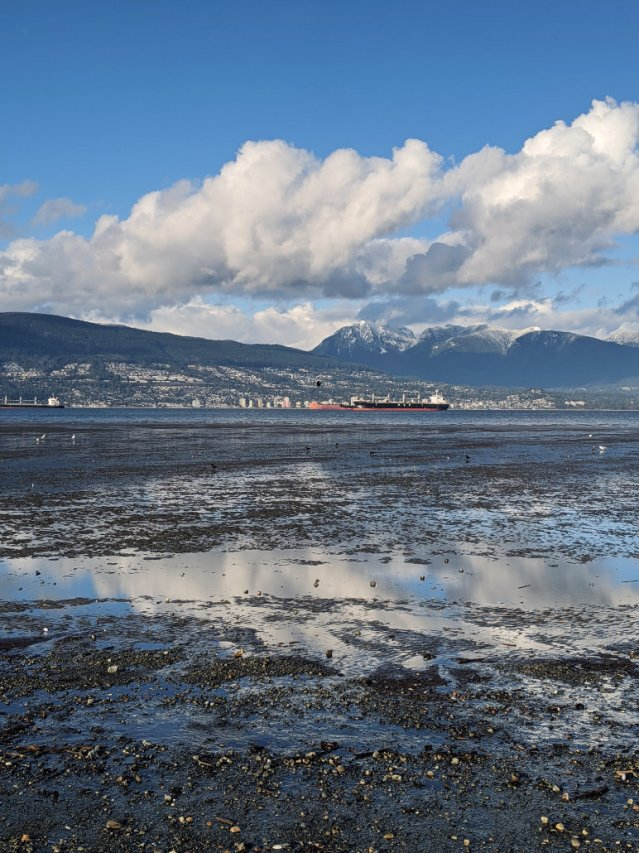 Locarno Beach towards Crown and Grouse Mountain