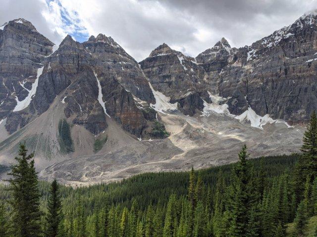 Epic views of the Ten Peaks - Mount Bowen, Tonsa Peak, Mount Perren, Mount Allen and Mount Tuzo