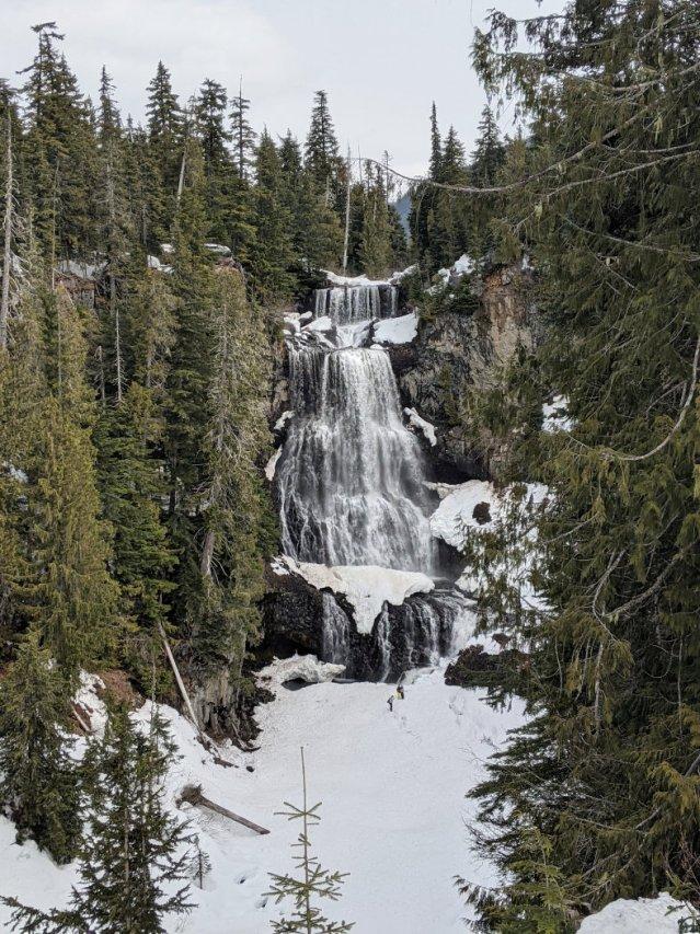 Alexander Falls free viewpoint