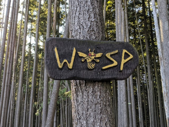 Sign on bear mountain - wasp