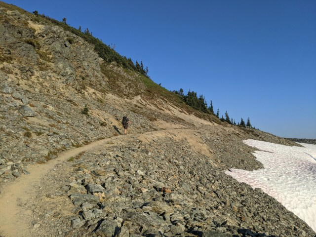 The trail up to Russet Lake