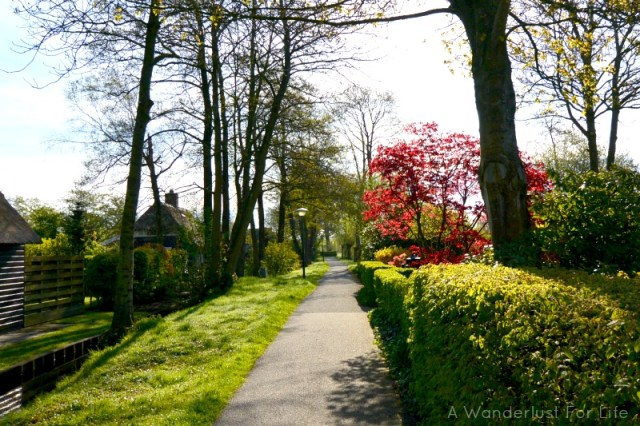 Day trip to Giethoorn path