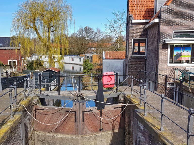 Canal lock -Amsterdam countryside bike tour
