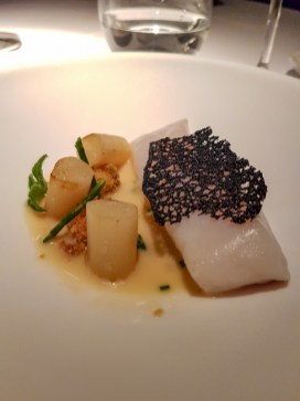 Dorade in Cava Sauce with fried oysters and salsify - Cinq Sensitis, Barcelona