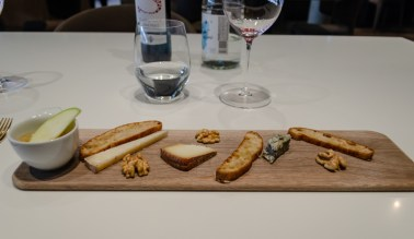 Bread and Cheese plate - Monvinic, Bareclona