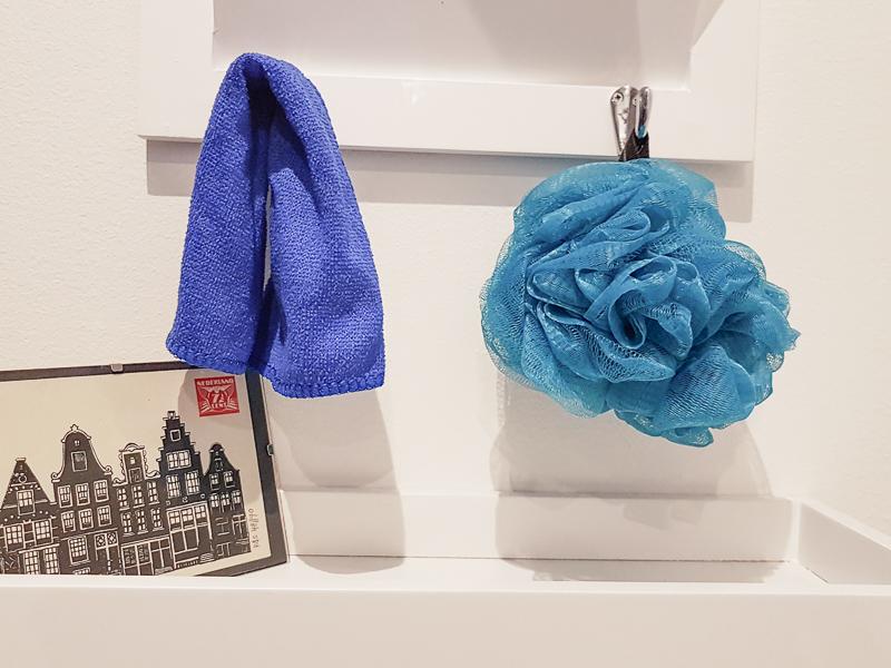 washcloth vs poof