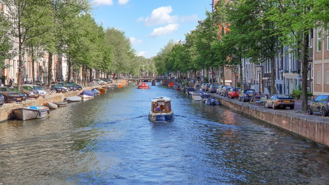 boat in amsterdam canal