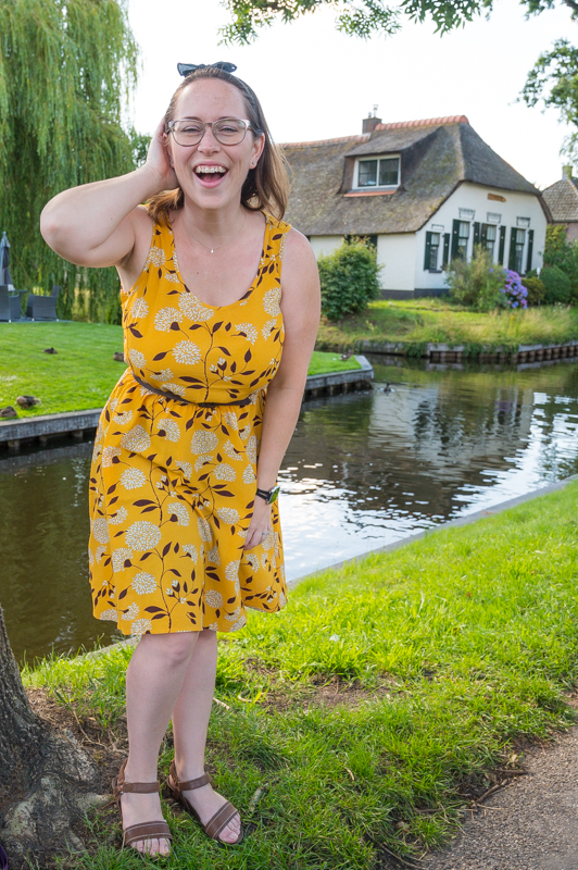 Jessica with Giethoorn house
