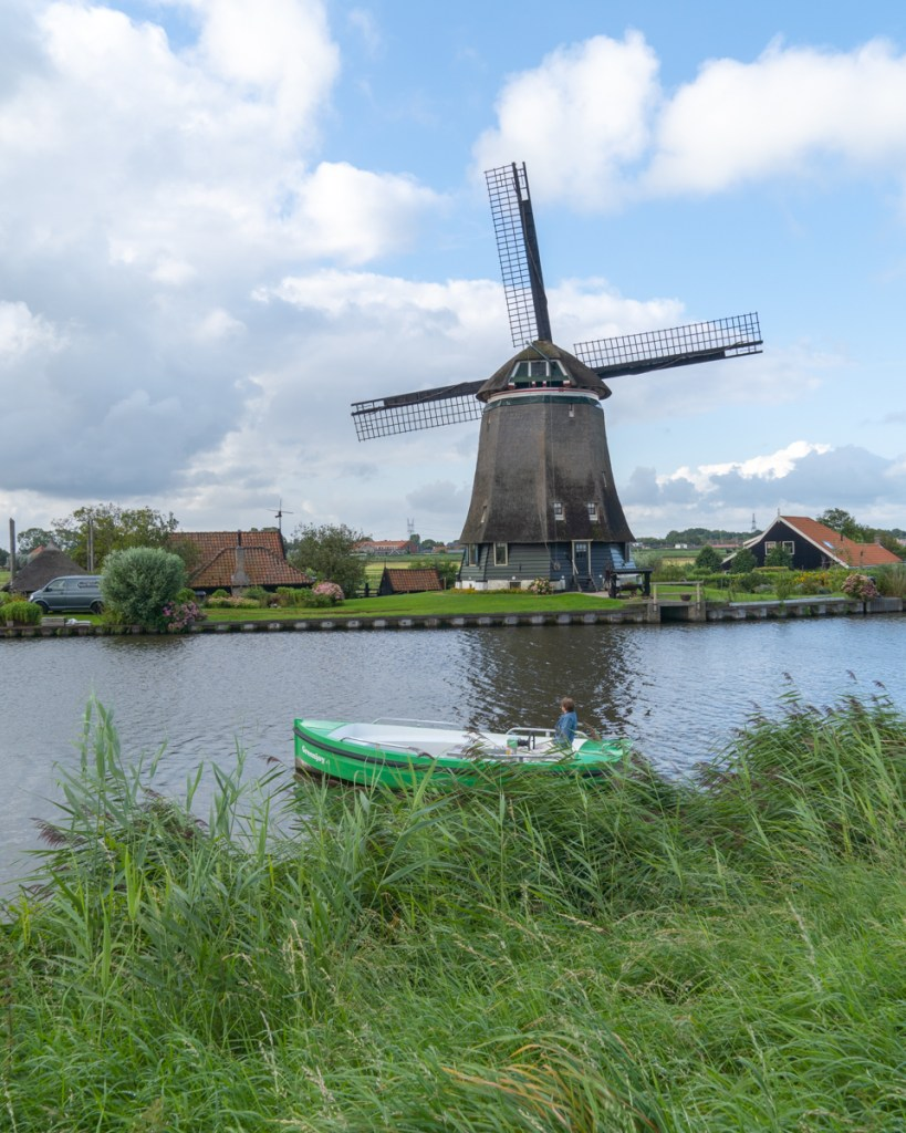 laag holland by boat