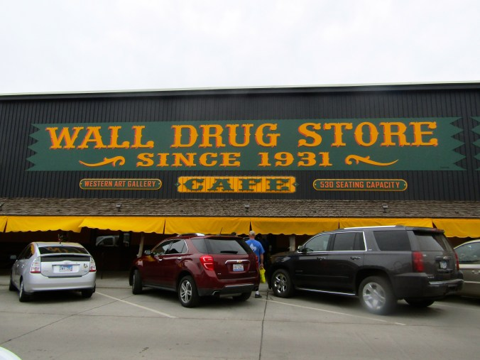 wall-drug-south-dakota.jpg
