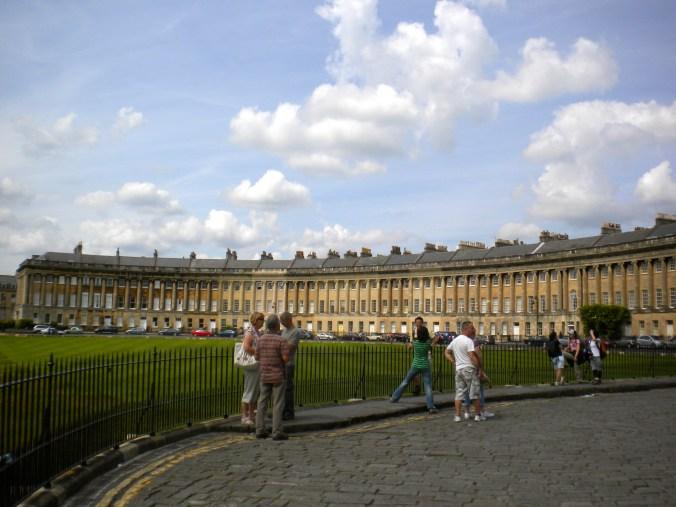 royal-crescent-bath-england.jpg