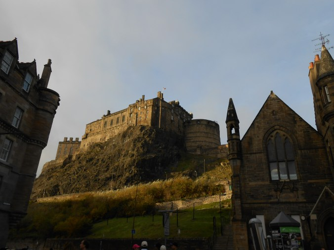 edinburgh-castle-grassmarket-scotland.jpg