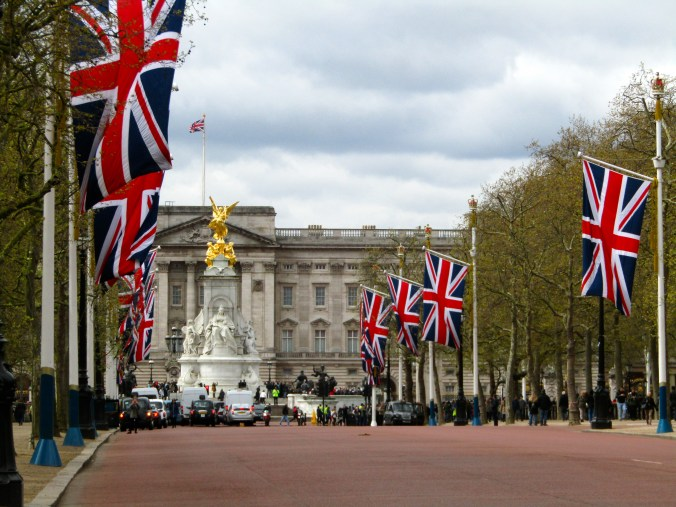 london-union-jack-flag-mall-buckingham-palace.jpg