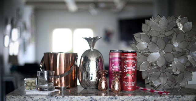 Girls night in with Seagram's Escape drinks. Atlanta blogger hosting friends for drinks-1