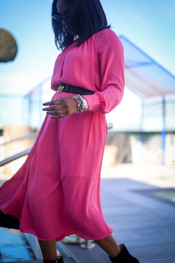 Pink midi dress by H&M worn with gucci booties and a gucci belt-27