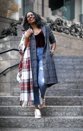 Abercrombie and finch holiday outfit. Plaid coat and scarf11