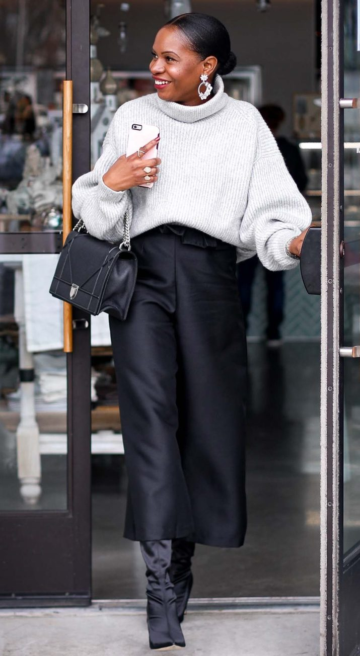 H&M grey chunky sweater worn with a black culottes by Atlanta style blogger and diorama bag-24