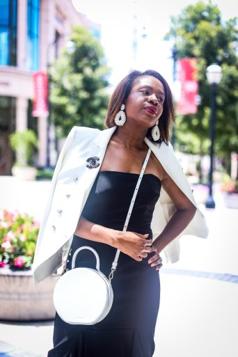 how to style black and white during the summer-10