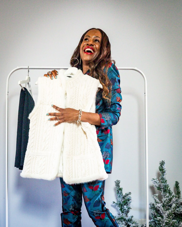 Atlanta lifestyle blogger Monica Awe-Etuk takes a cue from Oprah, and givesaway her favorite things. wearing lafayettle148 suit, michele watch and alexandre birman shoes-9