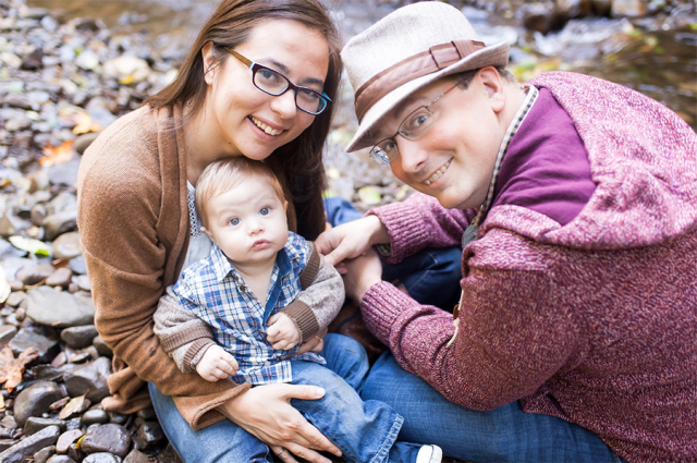 Family Photo by Portland Family Photographer Aubrie LeGault  of Capturing Grace Photography