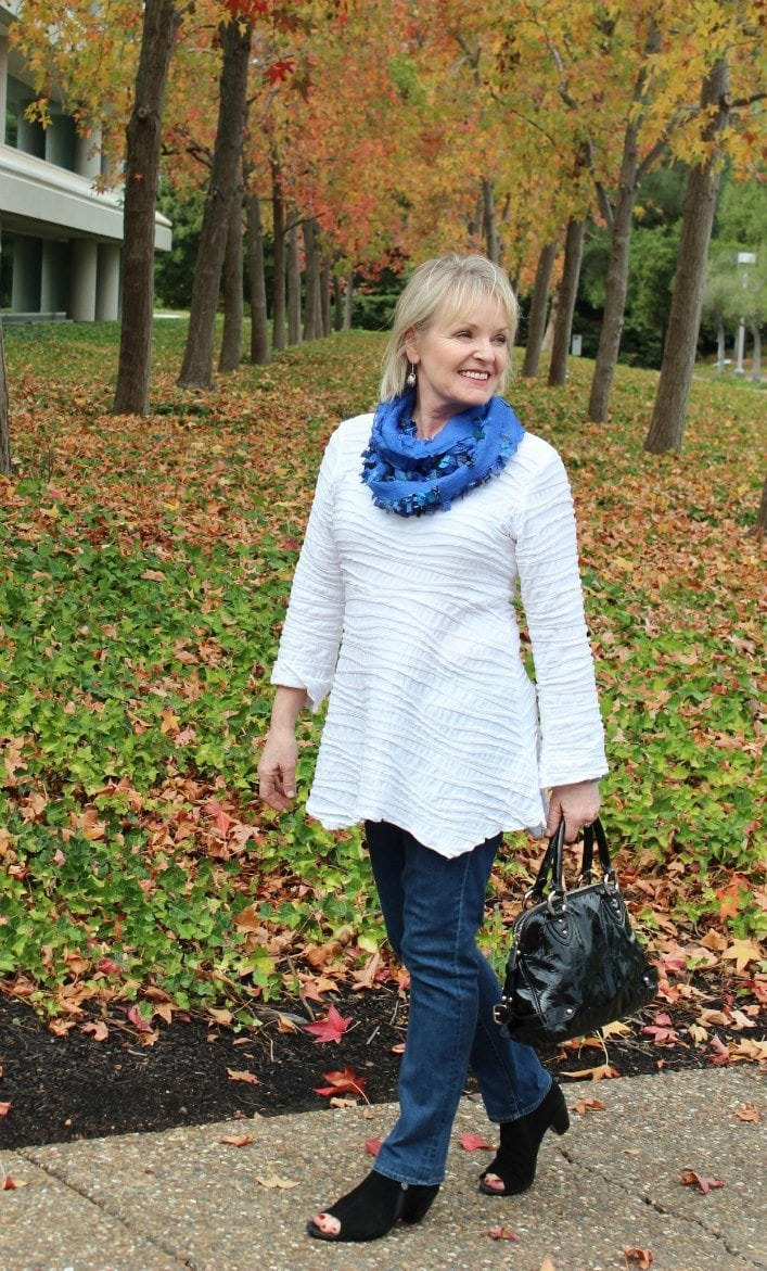 Jennfer Connolly of A Well Styled Life wearing silk Prezzo Scarf from Artful Home