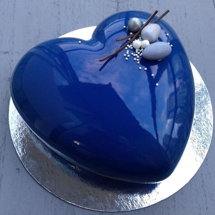 These Mouthwatering Mirror Glazed Mousse Cakes Will Blow