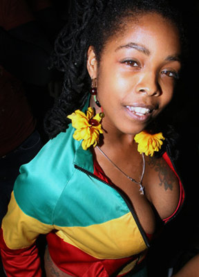 Dear Khia Beyonce Copied You Girl Awesomely Luvvie