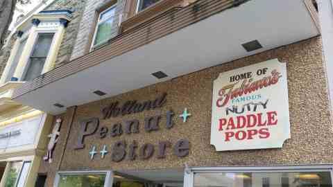 The Peanut Store in Holland - #MittenTrip - GrandRapids