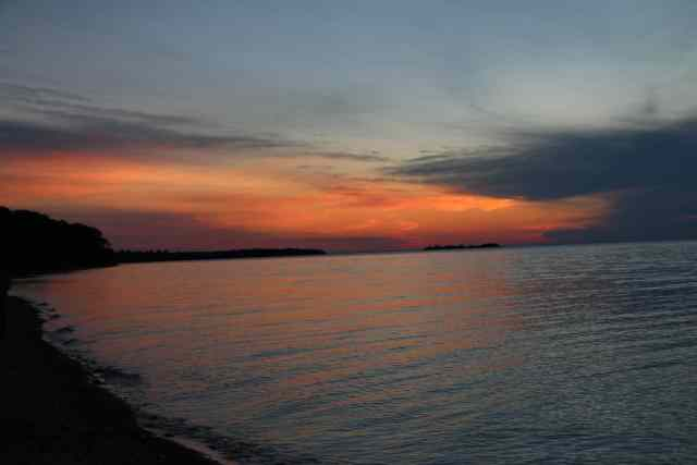 Sunset at Point Iroquois Lighthouse - #MittenTrip - Sault Ste Marie - The Awesome Mitten