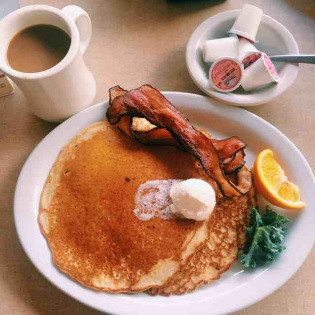 Pancakes at Lockview Restaurant - #MittenTrip - Sault Ste Marie - The Awesome Mitten