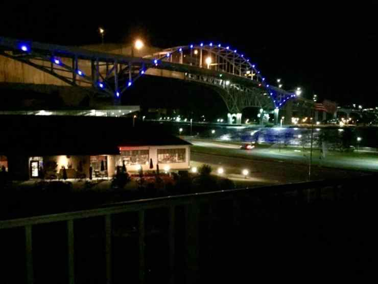 Bluewater Bridge, DoubleTree Port Huron - Joel Heckaman - The Awesome Mitten