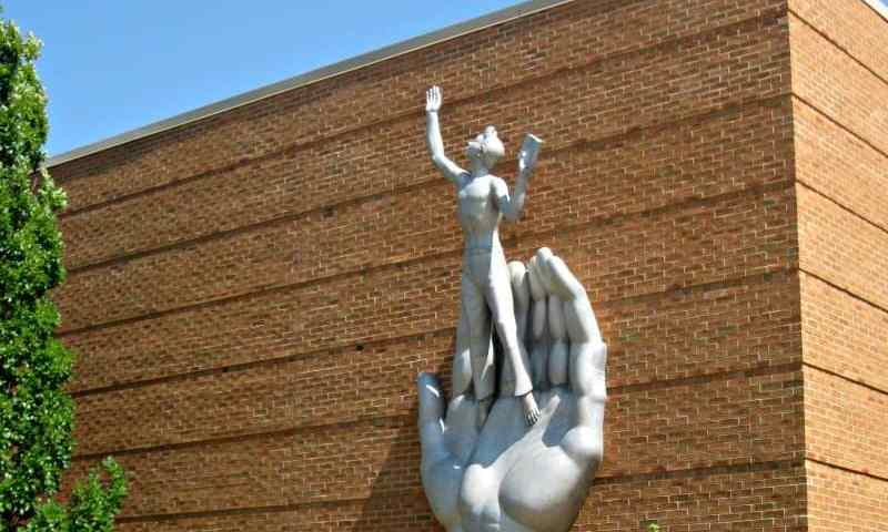 Life in Art at the Marshall Fredericks Sculpture Museum