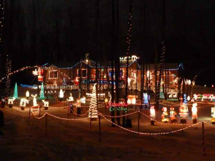 MichiganHoliday Light Displays - The Awesome Mitten